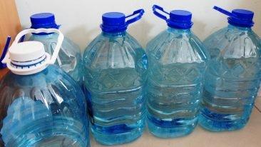 В Сеще спекулянты взвинтили цены на воду в разгар «антисанитарного геноцида»