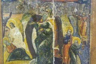 В краеведческом музее Брянска начала мироточить икона пророка