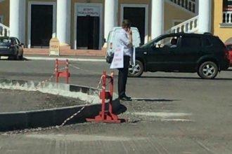 «Верните площадь народу»: брянец вышел на пикет возле ДК Железнодорожников