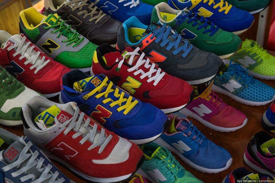 В Брянске торговали поддельными кроссовками Nike
