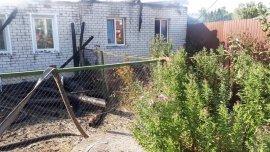 В Дятьково огонь спалил кровлю жилого дома