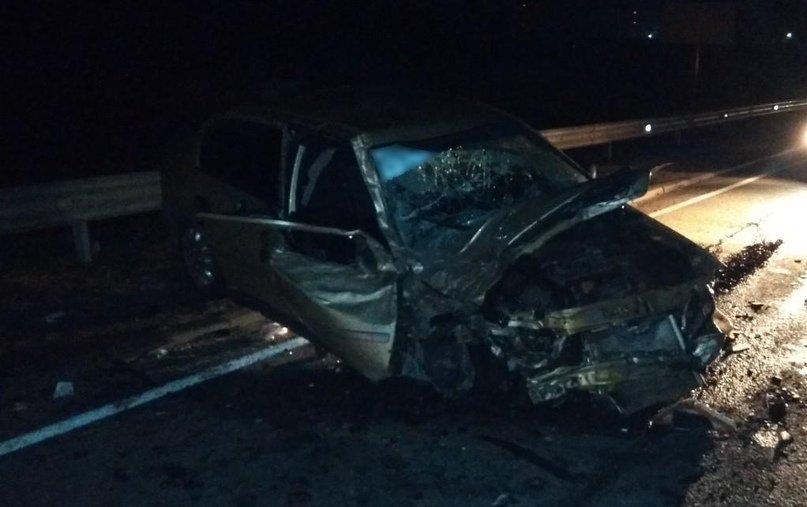 Под Брянском на трассе иномарка попала в серьезное ДТП: ранены двое