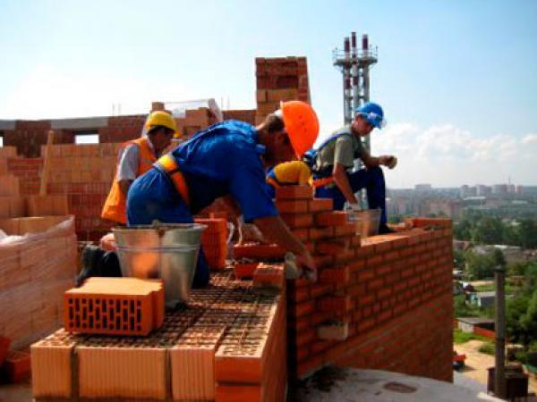В Брянске доверчивых строителей обманул наглый бизнесмен