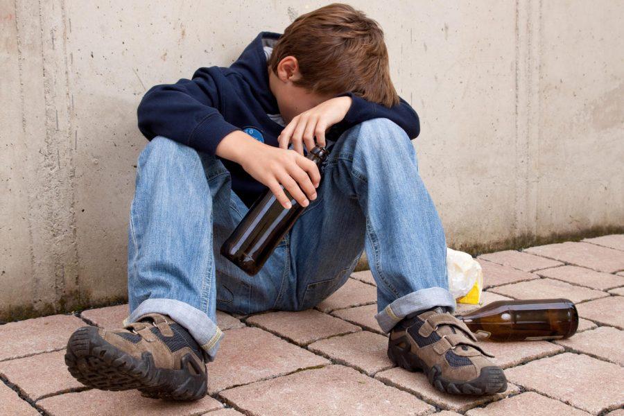 В Брянске два продавца попались на повторной продаже алкоголя детям