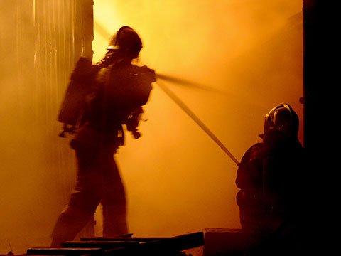В центре Брянска сгорел квартира на третьем этаже