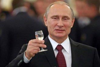 В декабре Путин поздравит 240 брянских долгожителей