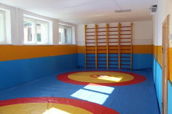 В Локотской школе № 3 оборудовали зал для занятий самбо