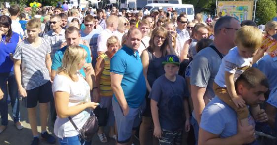В Брянске возникла адская пробка при входе на «Свенскую ярмарку»