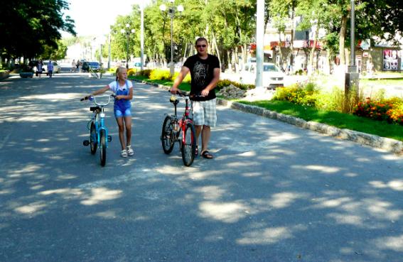 В Дятьково благоустраивают центральную улицу Ленина