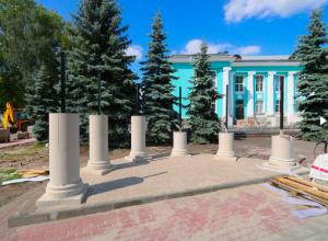 Глава Брянска снял видео обновляемого сквера у ДК Горького