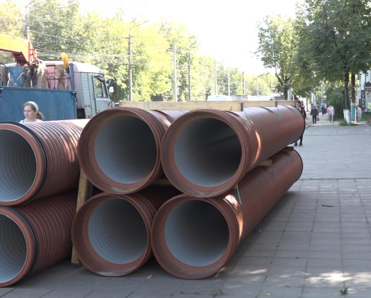 В Брянске завершается обустройство ливнёвки на улице Литейной
