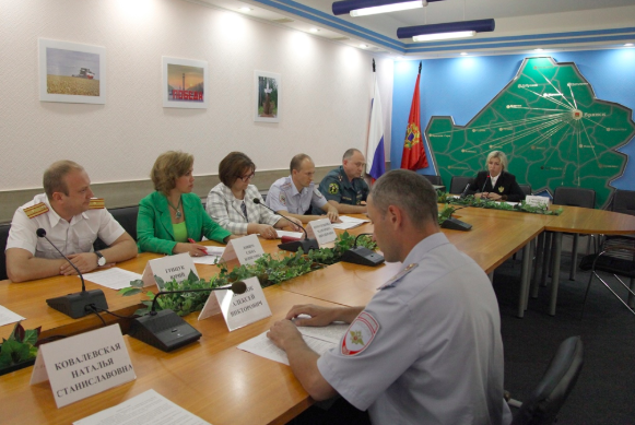 В Брянске обсудили ход всероссийской акции «Безопасность детства»