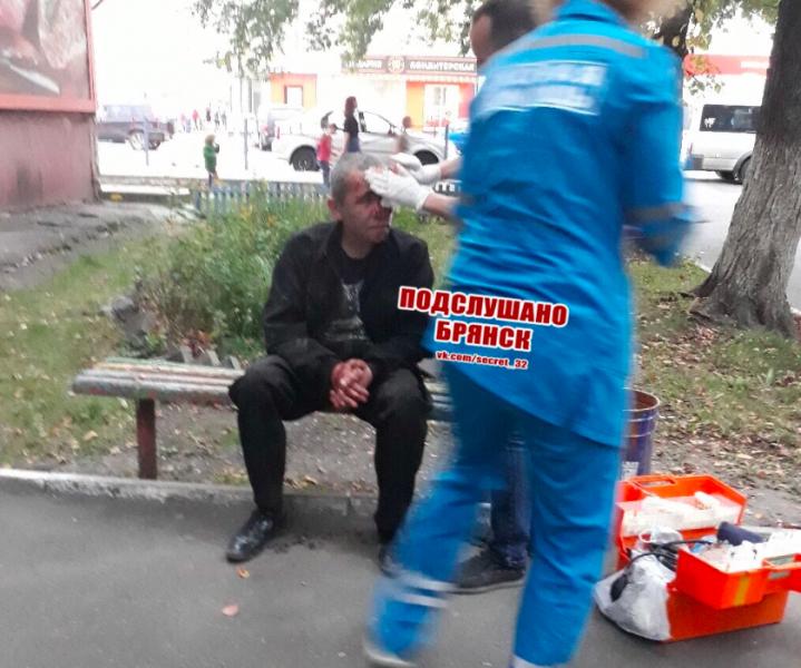 В Брянске пьяный мужчина упал посреди улицы и получил травму головы