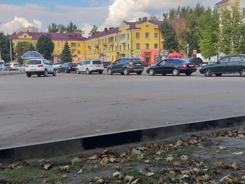 В Брянцы продолжают стоять в жуткой пробке на кольце у ДК Железнодорожников