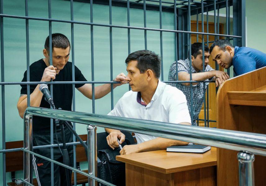 Брянским экс-полицейским грозит 15 лет тюрьмы за подброшенные наркотики