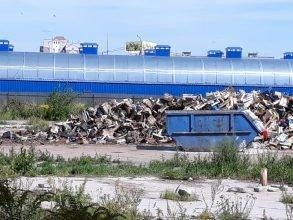 В Брянске со свалки Центрального рынка вывезут 108 кубов мусора
