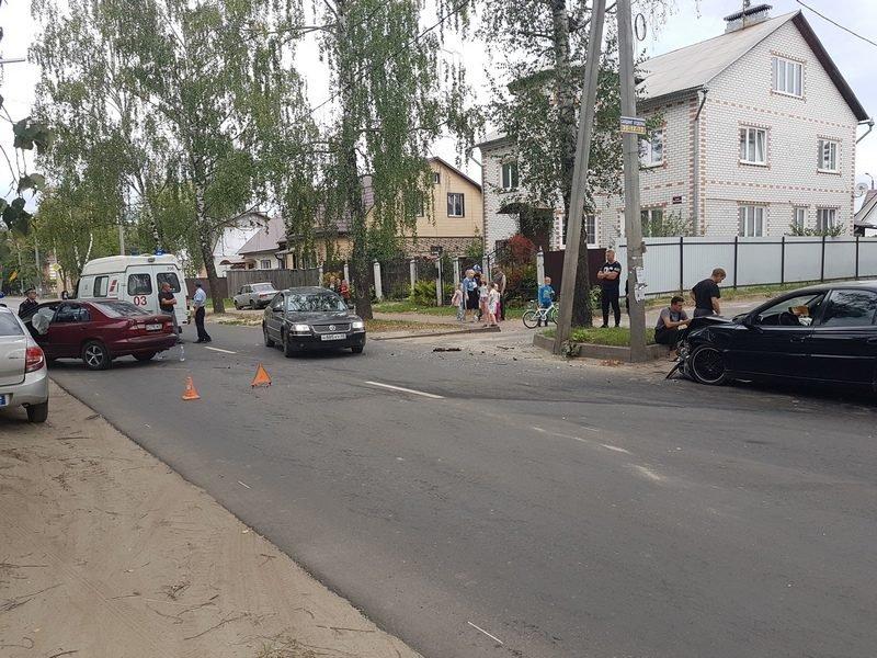 В Брянске на улице Вокзальной произошла авария