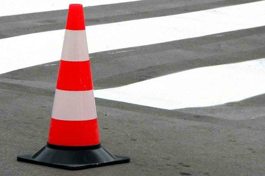 На брянской трассе микроавтобус сбил на зебре 24-летнего парня