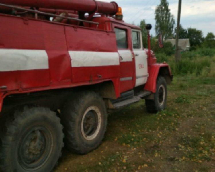В Трубчевском районе почти час тушили жилой дом
