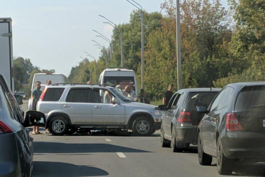 В Брянске на улице Флотской сбили мотоциклиста