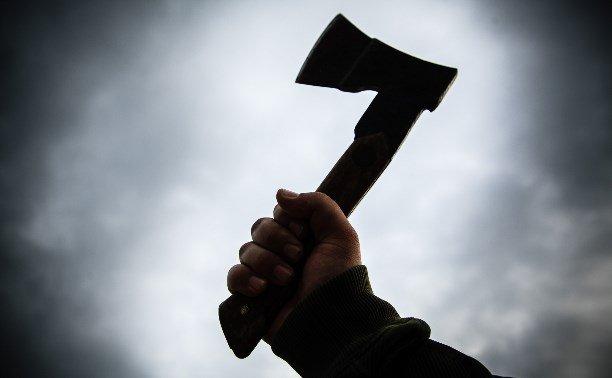 В Брянске ревнивец жестоко избил жену обухом топора