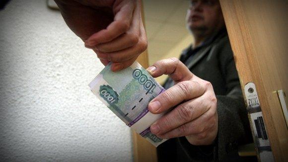 Попытка дать взятку обернулась для жителя Стародуба крупным штрафом