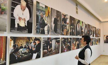 В Брянске открылась выставка фотохудожника из Греции