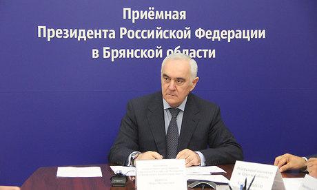 В Брянске Мурат Зязиков выслушал жалобы жителей