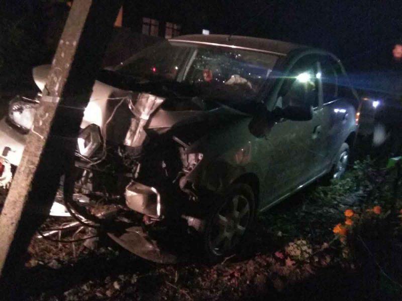В Супонево пьяный автомобилист влетел в столб