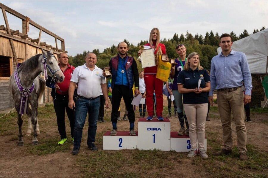Брянская наездница Нефедова выиграла чемпионат республики Беларусь