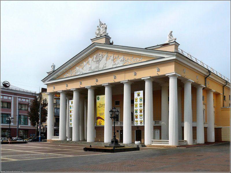 На сцене брянского драмтеатра пройдут «Большие гастроли»