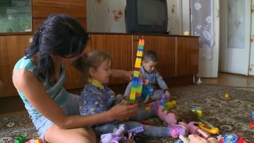 О нуждающейся брянской сироте с двумя детьми рассказали федеральные СМИ
