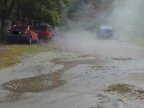 В Брянске Володарский район затопило из-за прорвавшейся трубы