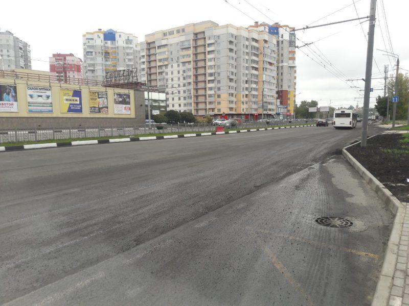На Первомайском мосту в Брянске срезали некачественный асфальт
