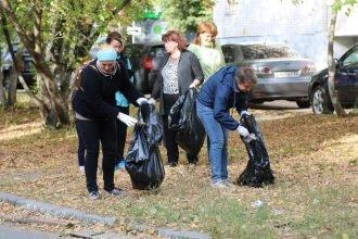 В Брянске 6,5 тысяч жителей вышли на общегородской субботник