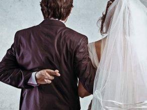Азербайджанец женился на брянской женщине ради прописки