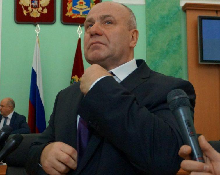 Брянский депутат Бугаев не ответил на обвинения в доведении гимназии до банкротства