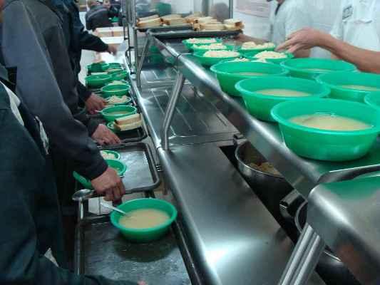 В суражской колонии-поселении улучшили питание зэков
