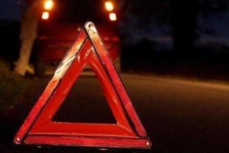 В Брянске неизвестный автомобиль сбил девушку у остановки