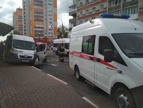 В Брянске в ДТП с маршруткой на Дуки пострадал человек