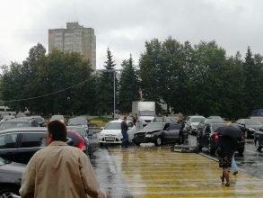 В Брянске возле «Линии» столкнулись две легковушки