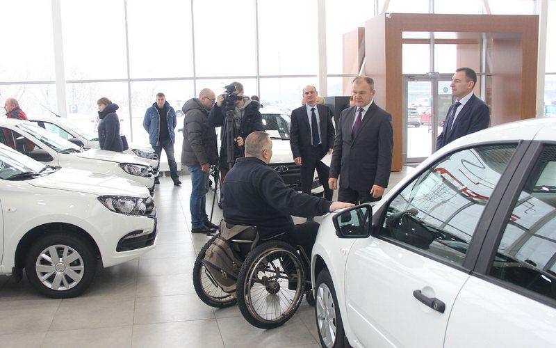 В Брянске раздадут 5 новеньких «Lada Granta»