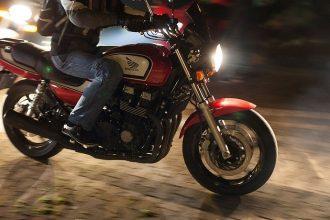 Житель Севского района украл мусоровоз и мотоцикл