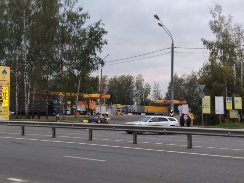 Под Брянском в Супонево столкнулись две легковушки