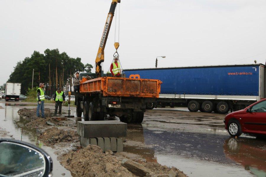 В Брянске ремонтируемую дорогу к МРЭО назвали «Тропой героев»