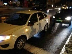 В Брянске возле «Европы» столкнулись две легковушки