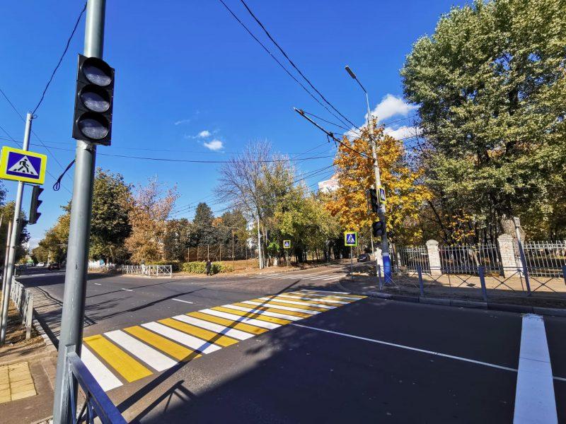 В Брянске возле детской поликлиники на Советской появился светофор