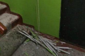 В Брянске парень молотком разгромил подъезд многоэтажки и облил мочой соседей