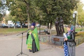 В Семейном сквере города Сельцо установили памятник Петру и Февронии Муромским