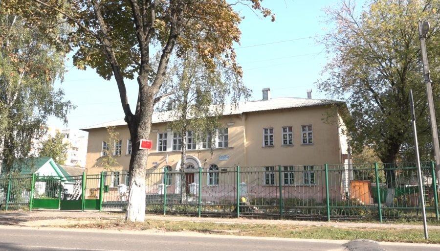Жители Бежицы пожаловались на отсутствие разметки возле школы